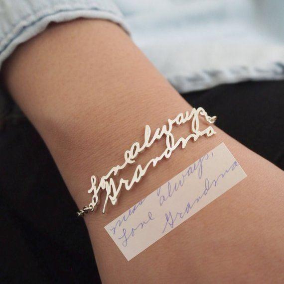 Manières créatives de présenter un cadeau de bijoux suite