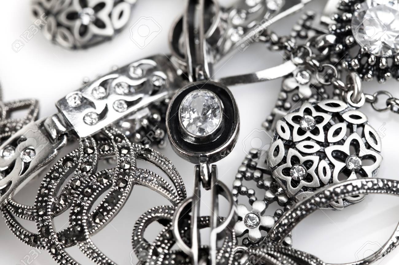 Comment choisir des bijoux en argent