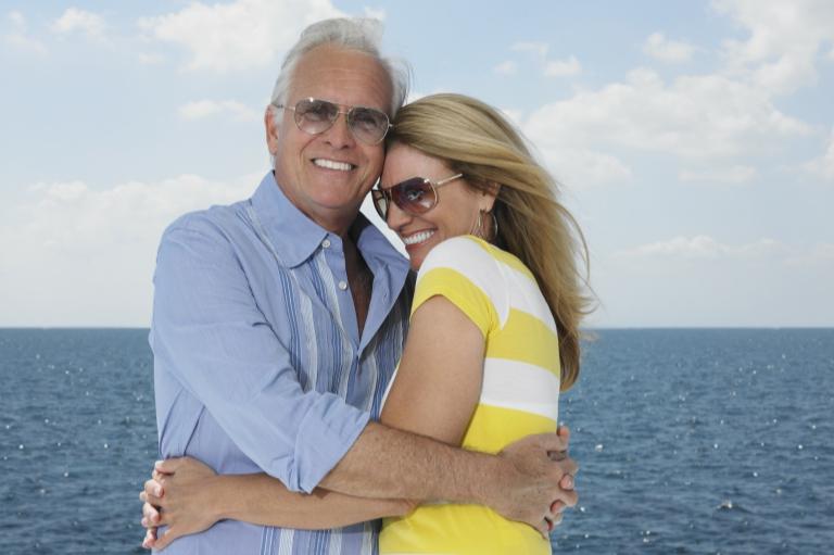 Faites-le pour améliorer vos chances de trouver l'amour après 50 ans !